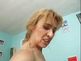 nice shape granny anal