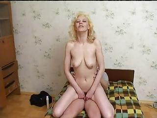 russian mum enjoys juvenile boys cum !
