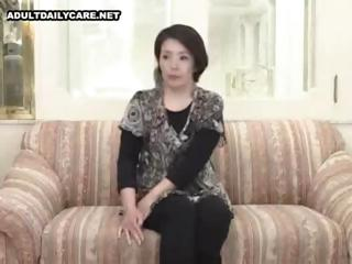 non-professional japanese mom spreads wide and