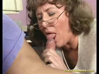 crazy old mom receives deep love tunnel fuck and
