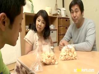 azhotporn.com - japanese mature woman porn clip