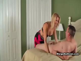 hawt blond cougar in lingerie seduces neighbour