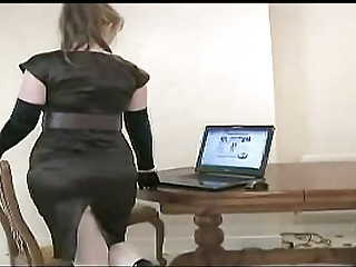 mature lady in stockings....