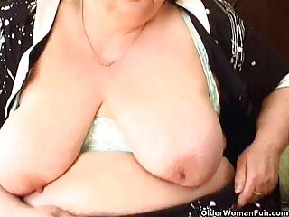 bulky granny with large bra buddies fucks a dildo