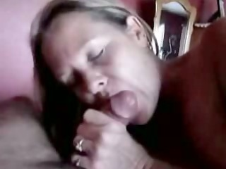 older lady gives an experienced blow job
